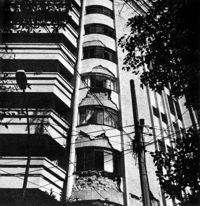 El edificio Basurto después del terremoto de 1985