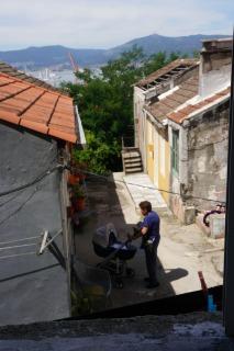 Un barrio pequeño junto a la casa